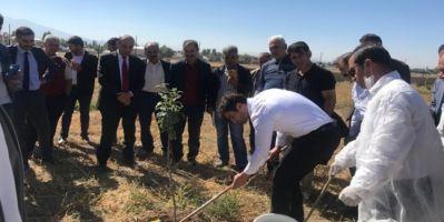 Ağrı'da Kapama Meyve Bahçe Sahiplerine Kışa Hazırlık Eğitimi Yapıldı