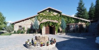 Bağ Bozumu Turizmine Katkı Sunacak: Köye Saray Gibi Otel