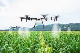 Türkiye'nin ilk zirai ilaçlama drone ile tarlada sıvı bitki besleme uygulaması yapıldı